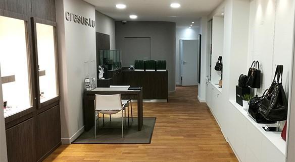 Parce que la passion de la belle horlogerie n a pas de frontières, Cresus a  ouvert les portes d une nouvelle boutique Luxembourgeoise en 2013. 42eb195807e
